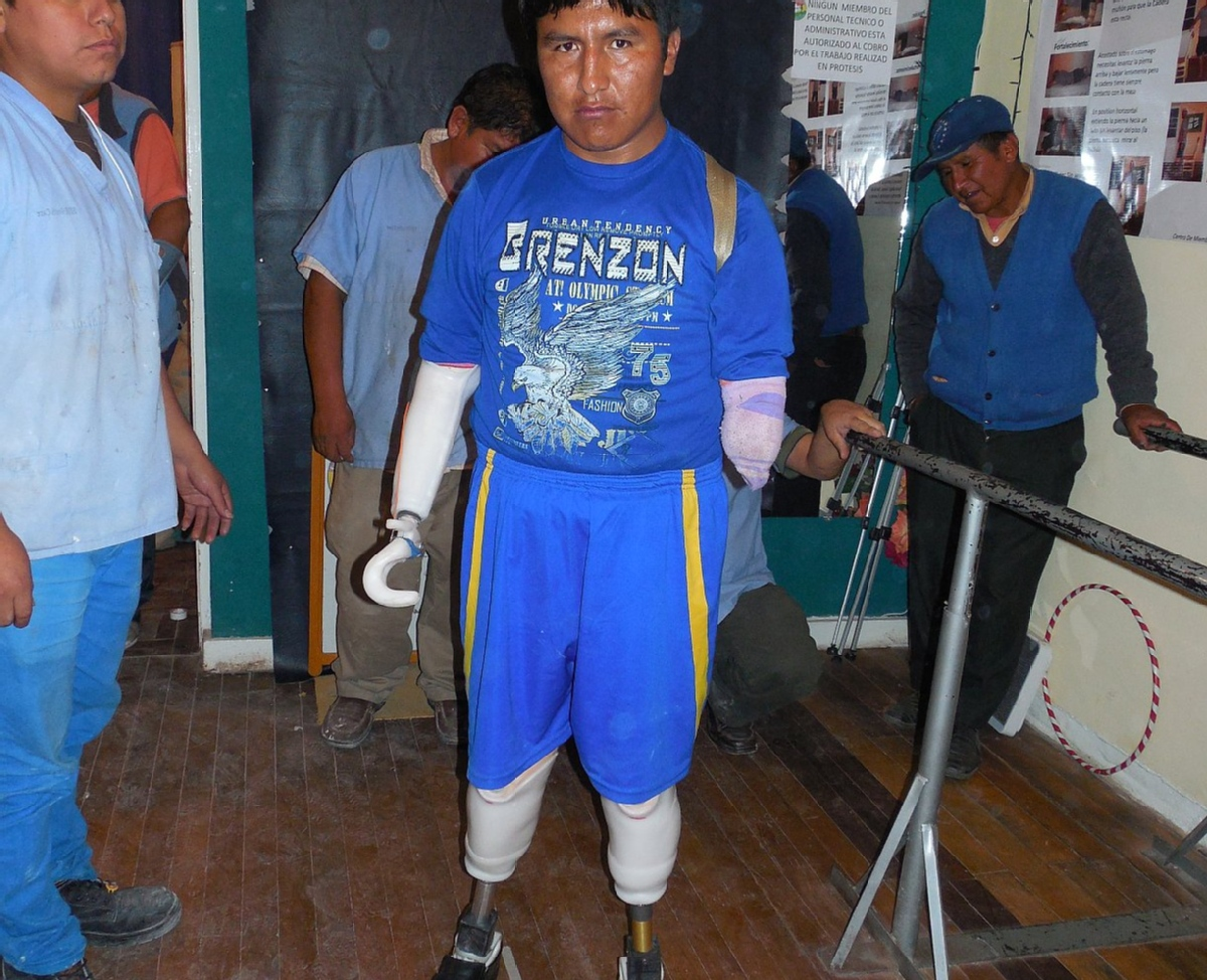 Volunteer with Bolivians Without disAbilities