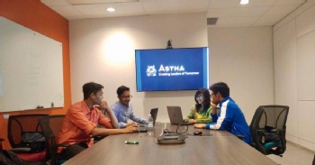 Volunteer with Astha