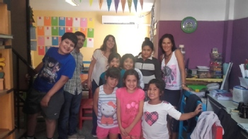 Volunteer with Educar y Crecer