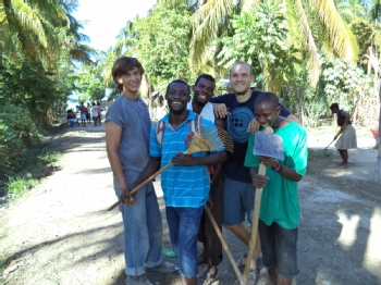 Volunteer with Sadhana Forest Haiti
