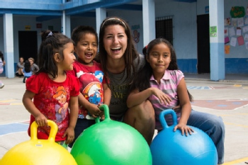 Volunteer with Niños de Guatemala